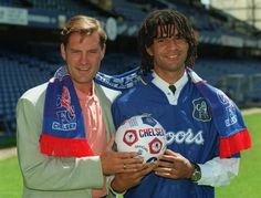 23 June 1995: CHELSEA manager GLENN HODDLE unveils RUUD GULLIT as his new signing...