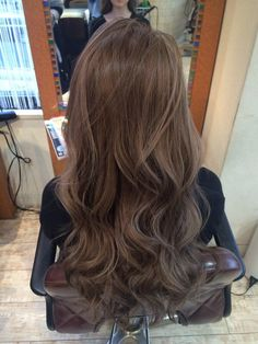 Brown Hair Looks, Light Brown Hair, Hair Color Shades, Hair Color And Cut, Brown Hair Balayage, Hair Highlights, Korean Hair Color, Gorgeous Hair, Dyed Hair