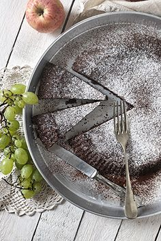 Flourless uber-creamy 80% dark chocolate cake. SDPHOTO.it Fotografia Food