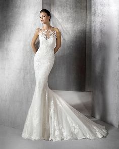 Another Spanish designer we have come to love is San Patrick bridal! The 2016 collection is full of princess wedding dresses and lace. Scoop Wedding Dress, Wedding Dressses, Princess Wedding Dresses, Bridal Wedding Dresses, Dream Wedding Dresses, San Patrick, Mod Wedding, 2017 Wedding, The Dress