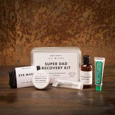 Super Daddy Erholungs-Set Daddy, Cream Baths, Relax, Bright Eyes, Eye Cream, Manners, Recovery, Cards Against Humanity, Products