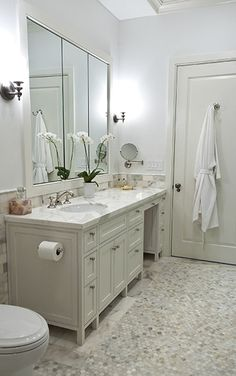 Traditional Full Bathroom with Complex marble counters, Calacatta Gold Hexagon Honed Mosaic, Wall sconce, Flat panel cabinets Tile Tub Surround, Shower Surround, Upstairs Bathrooms, Master Bathroom, Bathroom Stand, Bathroom Marble, Bathroom Inspiration, Home Decor Inspiration, Artistic Tile