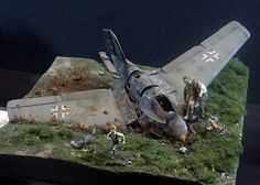 """Defending the Motherland 1945"" By Aitor Azkue. Messerschmitt Komet Me-163, MENG MODEL 1/32 scale. German rocket-powered interceptor. #diorama #WW2 #Luftwaffe http://pikabu.ru/story/defending_the_motherland_1945_3908015"
