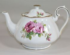Royal Albert China Teapot with Lid American Beauty Pattern with Pink Roses English Teapots, China Teapot, English Country Style, Tea Kettles, My Cup Of Tea, Chocolate Pots, China Patterns, Royal Albert, Tea Sets