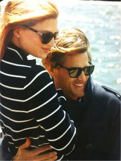 Nautical stripes and tortoise Estilo Navy, Estilo Preppy, Christian Lacroix, New England Prep, Preppy Style, My Style, Classic Style, Prep Life, Nautical Stripes