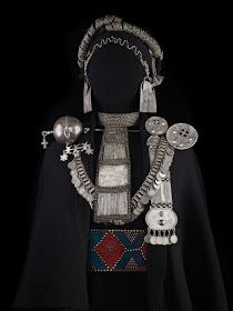 Mapuche jewelry from Chile. Tribal Jewelry, Boho Jewelry, Jewelery, Silver Jewelry, Western Jewelry, Antique Silver, Antique Jewelry, Indigenous Art, Jewelry Making