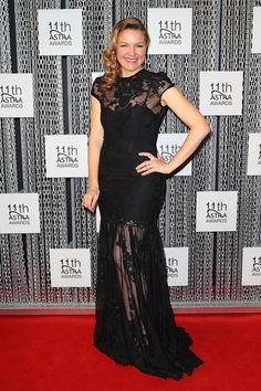 Justine Clarke Clothes