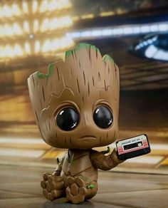 Hot Toy have revealed their line of Guardians of the Galaxy Vol. 2 Cosbaby bobble-head figures including a Baby Groot three pack! Baby Groot, Cute Disney Wallpaper, Cute Cartoon Wallpapers, Cute Animal Drawings, Cute Drawings, Baby Animals, Cute Animals, Avengers Wallpaper, Marvel Art