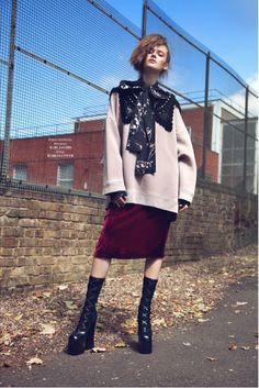 Dara Vlasova wearing Marc Jacobs Fall '16. Shot by Andres De Lara, styled by Emma Pulbrook for L'Officiel Ukraine