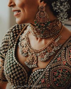 7 Tips To Keep In Mind Before Buying Your Wedding Jewellery Sabyasachi Lehenga Bridal, Lehenga Choli, Lehenga Blouse, Rajasthani Lehenga, Green Lehenga, Bridal Jewelry Sets, Bridal Necklace, Bridal Jewellery, Diamond Jewellery
