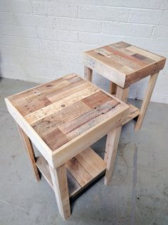 Reclaimed Wood Side Table Nightstand End Accent Entry Night Stand Beautiful Rustic Shabby Chic Stand Loft Stand Handmade Pallet Dorm Custom Each reclaimed wood table. Pallet Furniture Designs, Wooden Pallet Projects, Handmade Furniture, Rustic Furniture, Pallet Ideas, Diy Furniture With Pallets, Handmade Bedside Tables, Bedside Table Design, Pallet End Tables