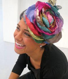 ¡Precioso tocado nenúfar multicolor!