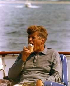 "The Sundae Times (@thesundaetimes) on Instagram: ""JFK enjoying an ice cream on the presidential yacht 1963. Happy #fourthofjuly🇺🇸 from…"""
