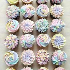 Unicorn buttercream cupcakes ♥