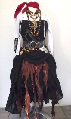 SALE Halloween Pirate Costume Large Adult by PassionFlowerVintage Pirate Garb, Pirate Dress, Pirate Cosplay, Female Pirate Costume, Diy Pirate Costume For Women, Pirate Halloween Costumes, Halloween Outfits, Pirate Wedding, Pirate Woman