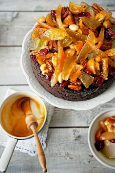 Fruit & Nut topping for Christmas cake | Jamie Oliver | Food | Jamie Oliver (UK)...  This fruity cake topping jazzes up any Christmas cake recipe and looks really tempting and festive!