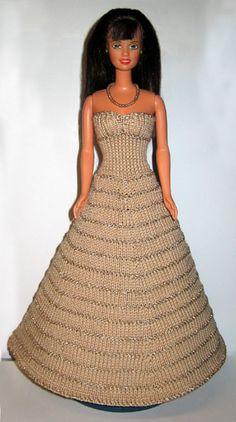Sticka till Barbie 851-900 Barbie Knitting Patterns, Barbie Patterns, Knit Fashion, Fashion Dolls, Fashion Outfits, Barbie Gowns, Barbie Dress, Accessoires Barbie, Crochet Barbie Clothes