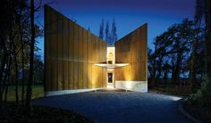 Cloudy Bay Shack / Mike Rolfe