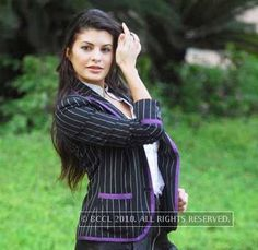 Jacqueline's Bollywood releases for 2010 include movies like 'Housefull' and 'Jaane Kahan Se Aayi Hai'.(BCCL/Samik Sen)