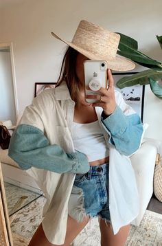 Artists Only Denim Sleeve Button Down – Tribe Fashion Jeans, Mode Outfits, Cute Casual Outfits, Denim Outfits, Girly Outfits, Mode Inspiration, Look Cool, Aesthetic Clothes, Dress To Impress