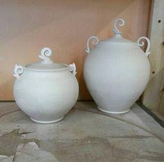Family of sprigin podling pots! #kaiceramics #mudfire #madeatmudfire #pottery #ceramics #whimsical #handmade #porcelain #clay #jar #sprigin #podling #podlingjar
