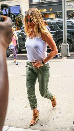Risultato immagine per Jennifer Aniston See Through