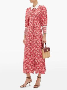 Kate Middleton wearing the Beulah London Calla dress in rose red floral Rose Dress, Pink Dress, Beautiful Red Dresses, Kate Middleton Style, Matches Fashion, Red Silk, Silk Crepe, A Line Skirts, Wrap Dress
