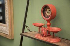 Ceas de masa Balance #homedecor #inspiration #interiordesign #red #clock #time #retro #style #decoration Desk Lamp, Table Lamp, Interiores Design, Retro, Origami, Mirror, Modern, Glamour, Furniture