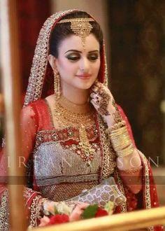 Stunning Wedding Dresses Stylish and Eye-Catching look 2017 Pakistani Bridal Jewelry, Pakistani Wedding Dresses, Bridal Lehenga, Bridal Jewellery, Indian Wedding Bride, Indian Bridal, Desi Bride, Wedding Wear, Dream Wedding