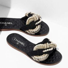 The latest Shoes collections on the CHANEL official website Chanel Fashion Show, Fashion Shoes, Fashion Outfits, Cute Shoes, Me Too Shoes, Chanel Slides, Shoe Boots, Shoes Heels, Chanel Shoes Flats