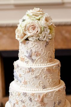 wedding cakes classic Were smitten with this intricately detailed classic wedding cake Elegant Wedding Cakes, Cool Wedding Cakes, Beautiful Wedding Cakes, Wedding Cake Designs, Wedding Desserts, Beautiful Cakes, Wedding Ideas, Wedding Cakes With Cupcakes, Wedding Cake Toppers