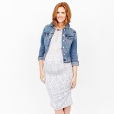 Maternity Style Tip: Invest in a staple dress. A knit midi with side ruching in a neutral hue is a must-have! Wear it with a denim jacket on the weekend or a statement necklace for work.