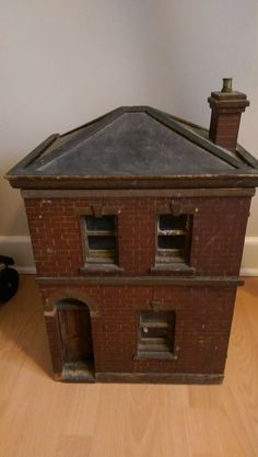 Lovely old dolls house over 80 years old. Has been in the loft for the past 40 years so in need of s