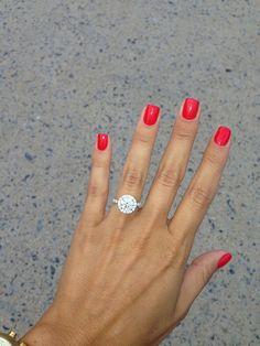 New Collection For Bague de Fiançailles 2018 : Description Round halo engagement ring Cute Nails, Pretty Nails, Round Halo Engagement Rings, Engagement Nails, Halo Rings, Ruby Rings, Emerald Rings, Solitaire Rings, Emerald Cut