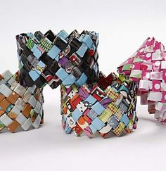 Bracelets made of magazine pages or wrapping paper. Tutorial in Swedish.