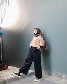 Casual Hijab Outfit, Ootd Hijab, Casual Outfits, Street Hijab Fashion, Muslim Fashion, Swag Outfits, Fashion Outfits, Hijab Trends, Hijab Fashion Inspiration