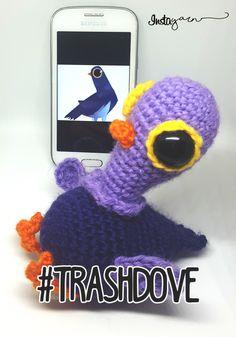 TrashDove, the Social Pigeon – Amigurumi (UK terms)