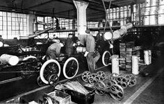 Henry Ford Model t Assembly Line :: The history of the Model T Henry Ford Model T, Automobile, Assembly Line, Unsung Hero, Old Fords, Ford Motor Company, Ford Models, Black History Month, Old Photos