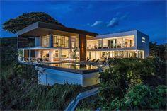 GRAND COSTA RICAN VILLA OVERLOOKING THE PACIFIC  |  Nosara, Costa Rica  |  Luxury Portfolio International Member - Properties in Costa Rica