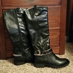 """Celebrity nyc woman's riding leather boots Pu. Leather uppers rubber soles knee high riding boots with funky chain details . Heel measures 1,2 """"  Shaft measures 16"""" nyc Shoes"""