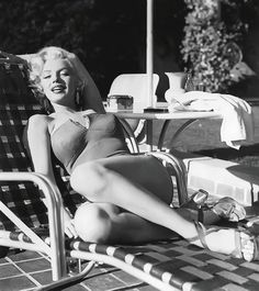 Marilyn photographed by Mischa Pelz 1953