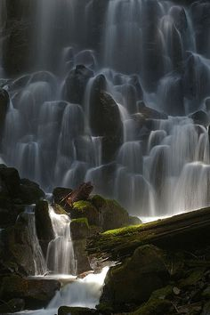 Ramona Falls | ©Ulrich Burkhalter (Mt. Hood, Oregon, US). Awesome !!!
