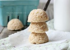 Raw grain-free macaroons