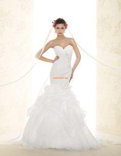 Court uszály Rátétek Cipzár Menyasszonyi ruhák 2015