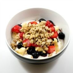 Greek yogurt, berries & granola #breakfast #brunch