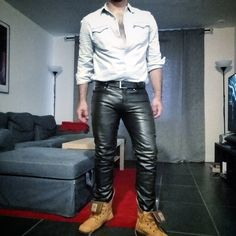 #leatherpants #leather #leathergay #gayleather #gay #jeanshirt