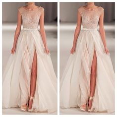 Gorgeous non-traditional wedding dress !!