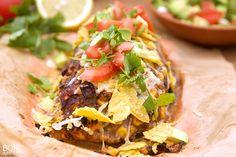 Heerlijk Mexicaans gehaktbrood met verse salsa, niet alleen een lust voor het oog, maar smaakt fantastisch! Zelf ook eens maken? Lees verder op BonApetit!