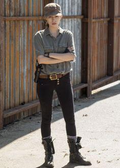 Rosita in The Walking Dead Season 7 Episode 4 | Service