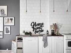 Декор стен HOME SWEET HOME на кухне